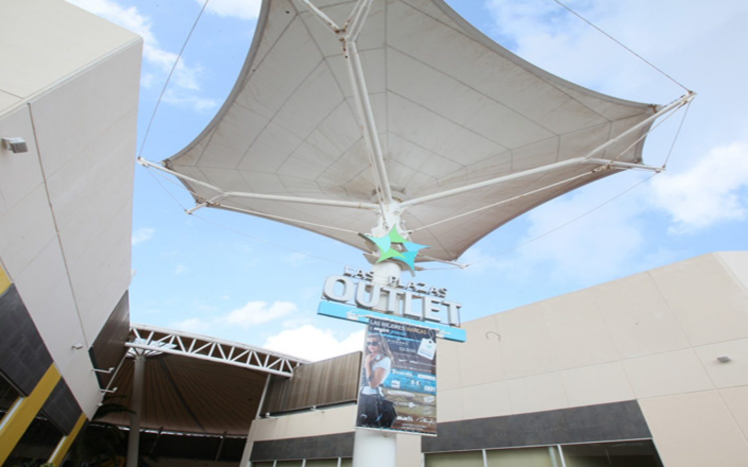Co-Las Plazas Outlet Cancún (1)