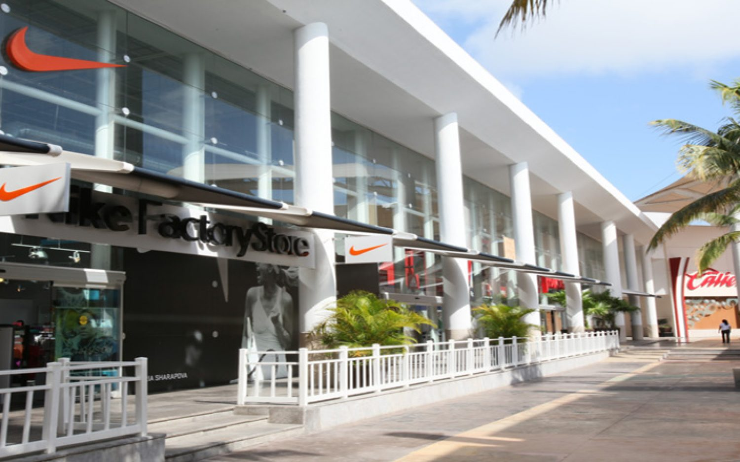 Co-Las Plazas Outlet Cancún (5)