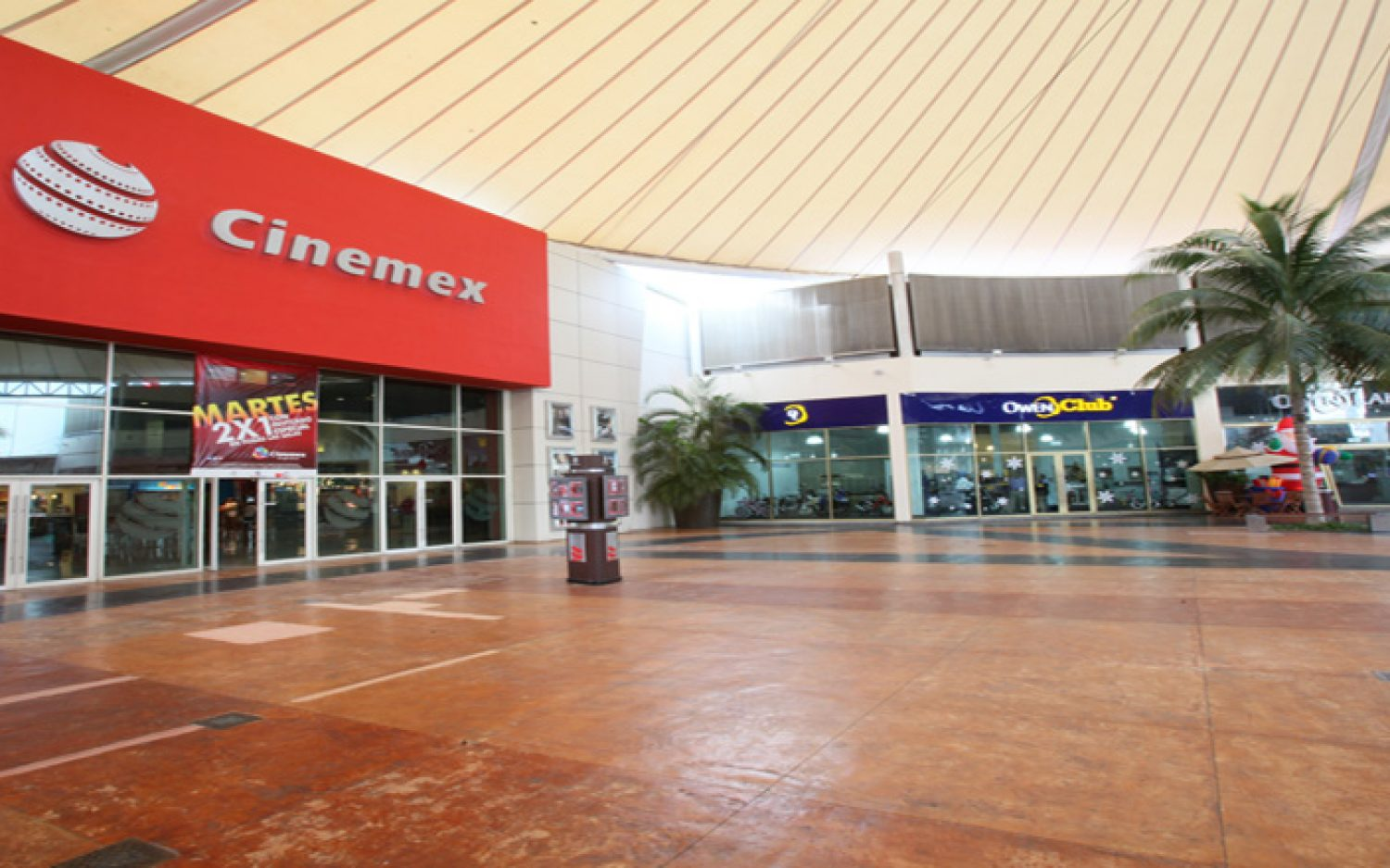 Co-Las Plazas Outlet Cancún (6)